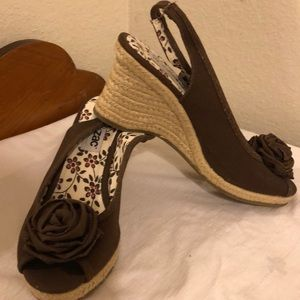 NWOT Brown wedge shoe